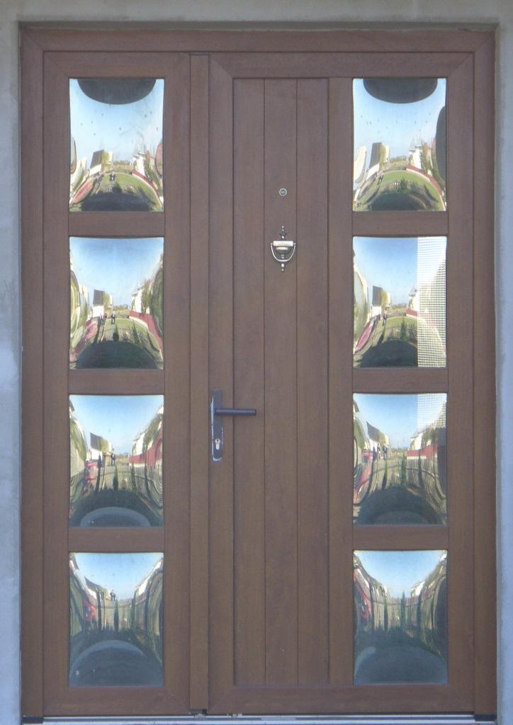 Usa, PVC, intrare, 2 canate, stejar auriu, nuc, maro, imitatie lemn, sticla termopan, maro, reflexiva, mata, panel, oglinda Radauti, Vicov, Marginea, Volovat, Horodnic